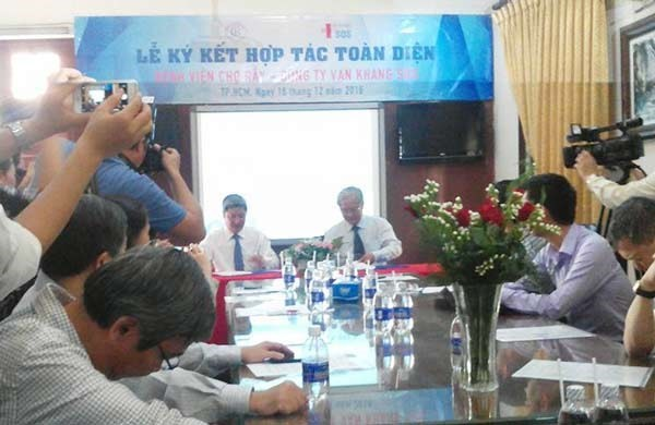 Cho Ray Hospital signed a cooperation with Van Khang SOS
